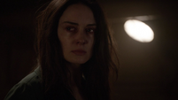 Aida se siente frustrada y llora frente a Ivanov