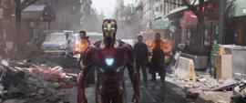 Stark viendo a la Orden Negra