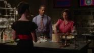 Carter, Wilkes y Underwood en el laboratorio
