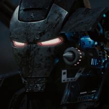 Maquina de Guerra muestra el arma de Hammer Industries - Iron Man 2.png