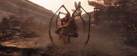 Parker salva a Mantis