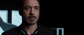 Tony viendo el nombre de Pepper