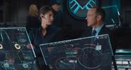 Hill y Coulson en el Helicarrier