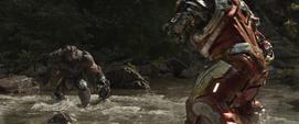 Hulkbuster confronta a Obsidian