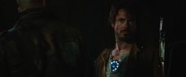 Stark es confrontado por Raza
