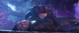 Thor llorando por Loki