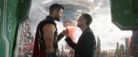 Thor y Banner chocan puños