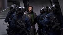 Loki es trasladado a su celda