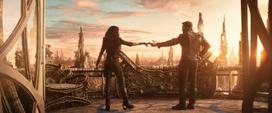 Quill empieza a bailar con Gamora