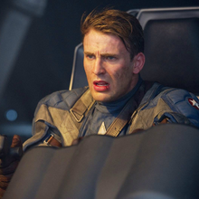 Capitan America piloteando el Valkiria.png