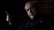 Malick le habla a Coulson sobre Alveus