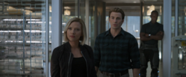 Romanoff y Rogers hablan con Danvers