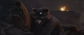 Rocket protege a Groot de los láseres