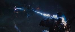 Whiplash VS Tony y War Machine