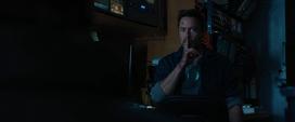 Stark en la camioneta de Gary