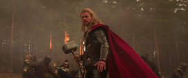 Thor durante la Batalla en Vanaheim