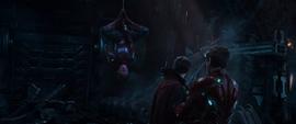 Parker avisa sobre la llegada de los Guardianes