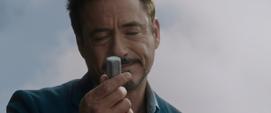 Stark tras volver a su mansión destruida