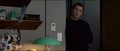Rogers llega a la habitación de Maximoff
