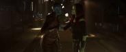 Gamora toma a Nebula del brazo