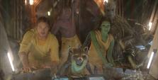 Gamora y los Guardianes en la torre de vigilancia