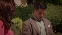 Sousa le cuenta a Carter de sus descubrimientos
