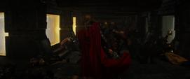 Thor lucha contra los bandidos