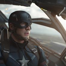 Capitán América volando en un Quinjet.png