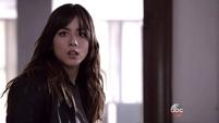 Skye se encuentra con Coulson y Ward