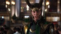 Loki espanta a las personas