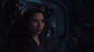 Romanoff tras capturar a Loki