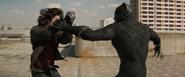 Pantera Negra enfrenta a Bucky