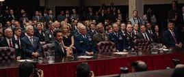 Tony Stark en el senado de Estados Unidos - Iron Man 2