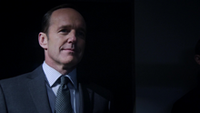 Coulson sale de la oscuridad.png