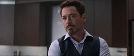 Tony debatiendo con Rogers