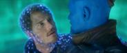 Quill escucha las disculpas de Yondu