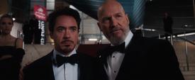 Stark se entera de los planes de Obadiah Stane - Iron Man