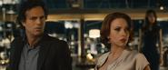 Bruce y Natasha sorprendidos