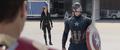 Capitán América viendo telaraña