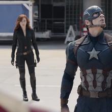 Capitán América viendo telaraña.png