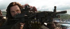 Barnes dispara contra los Outriders