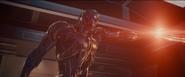 Ultron le dispara a Helen