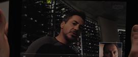 Stark es contactado por Hogan