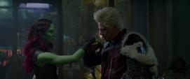 Tivan saluda a Gamora