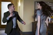 Aida ataca a Fitz y a los otros agentes