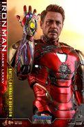 I am Iron Man Hot Toys 11