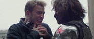 Rogers peleando con el Soldado del Invierno