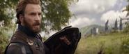 Rogers avisa sobre la llegada de Thanos