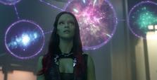 Gamora viendo las proyecciones