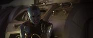 Nebula le pide a Groot que la libere